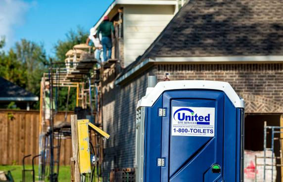 portable toilet rental near